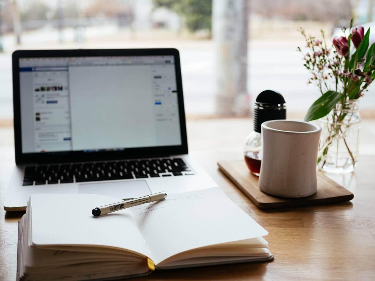 基本情報技術者 - IT関係者でなくてもしっかり勉強を続ければ十分合格は可能