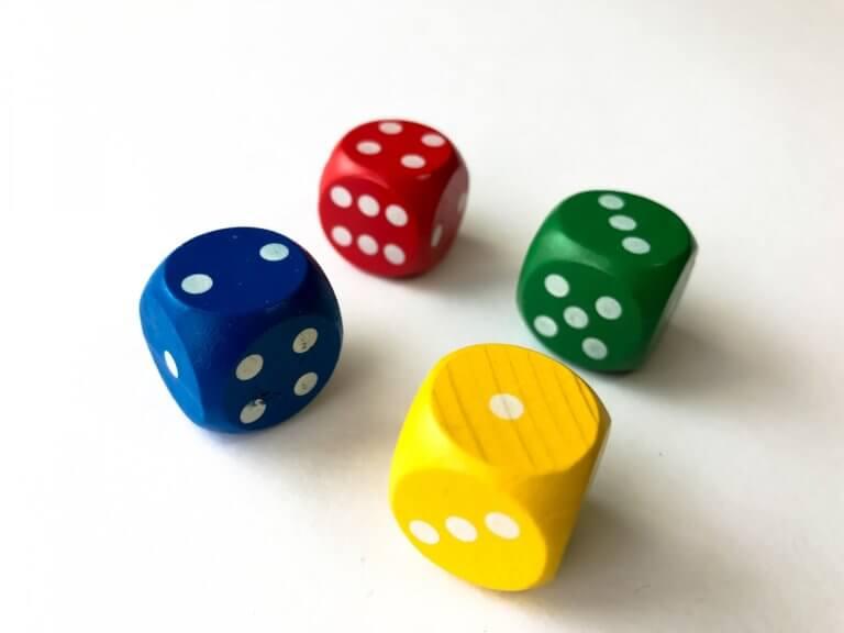 大人の趣味にも!おすすめボードゲーム8選【自宅で楽しめる】